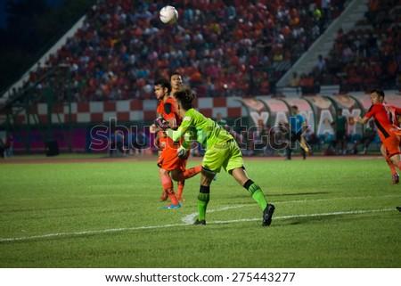 SISAKET THAILAND-MAY 3: Apiruk Worawong (GK) of Chiang rai united. in action during Thai Premier League between Sisaket FC and Chiang rai united at Sri Nakhon Lamduan Stadium on May 3,2015,Thailand - stock photo