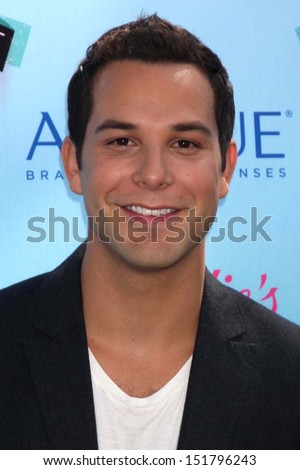 Skylar Astin at the 2013 Teen Choice Awards Arrivals, Gibson Amphitheatre, Universal City, CA 08-11-13 - stock photo