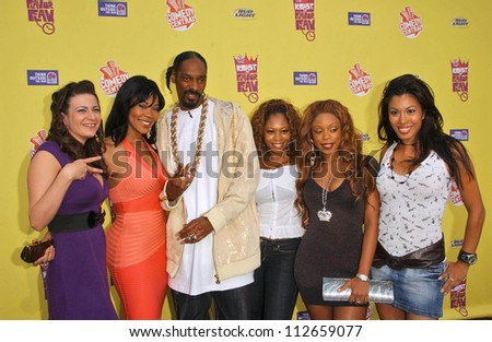 """Snoop Dogg and the Flavor of Love Girls at the """"Comedy Central Roast of Flavor Flav"""". Warner Brothers Studio Lot, Burbank, CA. 07-22-07 - stock photo"""