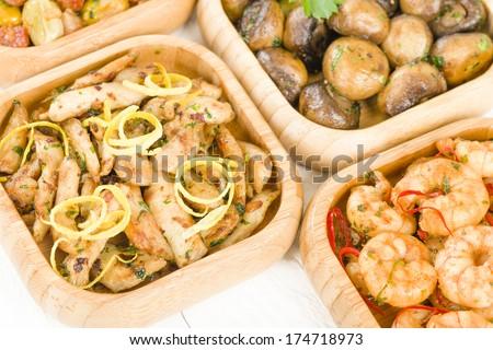 Pollo al limon con ajo (chicken with garlic), Gambas Pil Pil (sizzling ...