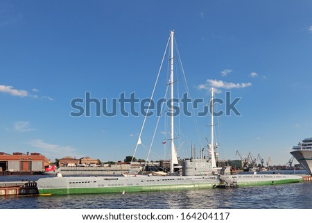 ST.-PETERSBURG - JUL 03: The old submarine C-189 - project 613 at Lieutenant Schmidt Embankment on Jul 03, 2013 in St.-Petersburg, Russia. After serving 35 years, renovated and converted into a Museum - stock photo