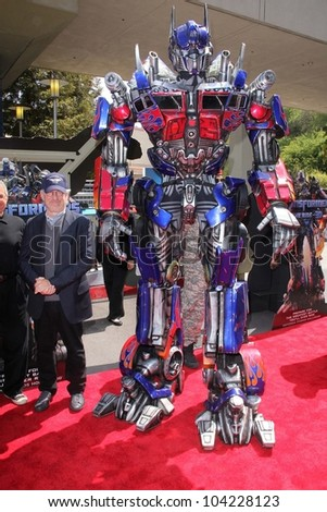 """Steven Spielberg at the World Premiere Of Universal Studios Hollywood's """"Transformers: The Ride-3D,"""" Universal Studios Hollywood, Universal City, CA 05-24-12 - stock photo"""