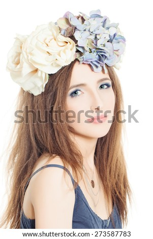 Summer fashion look woman with rose flowers - stock photo
