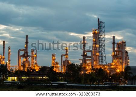 Sundown area oil refinery - stock photo