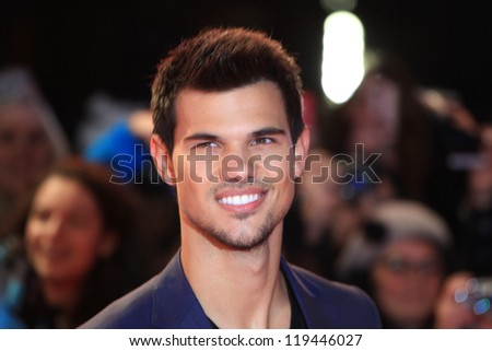 """Taylor Lautner arriving for the """"The Twilight Saga: Breaking Dawn Part 2"""" premiere at the Odeon Leicester Square, London. 14/11/2012 Picture by: Henry Harris - stock photo"""