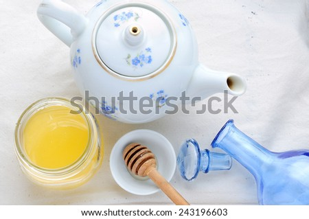 tea and honey - stock photo