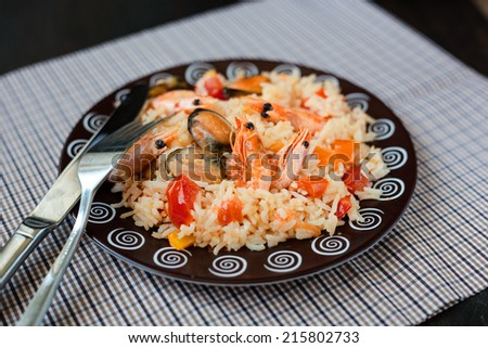 Thailand's national dishes, stir-fried rice with shrimp and mussel - stock photo