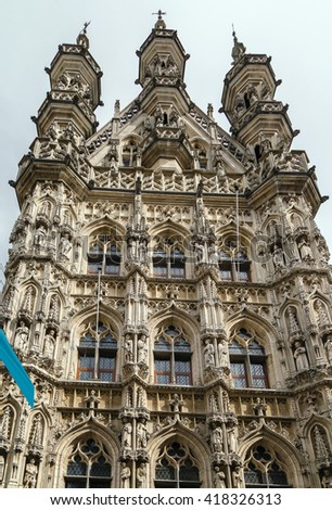 The City Hall of Leuven, Belgium, is a landmark building on that city's Grote Markt (Main Market) square. Built in a Brabantine Late Gothic style between 1448 and 1469 - stock photo