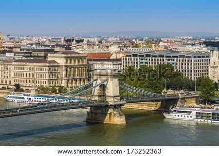 The famous Chain Bridge (1849) is a suspension bridge that spans the River Danube between Buda and Pest. Budapest, Hungary, Europe - stock photo