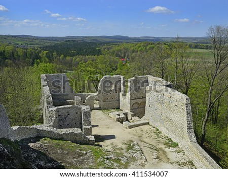 The ruins of the medieval castle Pilcza of the Smolen village, located near Krakow in Poland. It belongs to castles end fortresses: Eagles' Nests Trail - stock photo