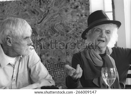 Timothy F. Leary (1920 - 1996), an American writer, psychologist, campaigner for psychedelic drug research and use and 60s counterculture icon, with Laura Huxley, widow of Aldous Huxley - stock photo