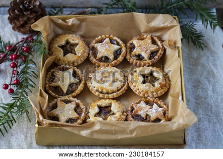 Traditional Christmas mince pies - stock photo
