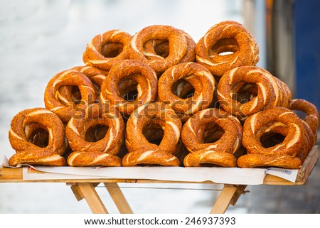 Turkish bagels (simits) sell on the streets of Istanbul - stock photo