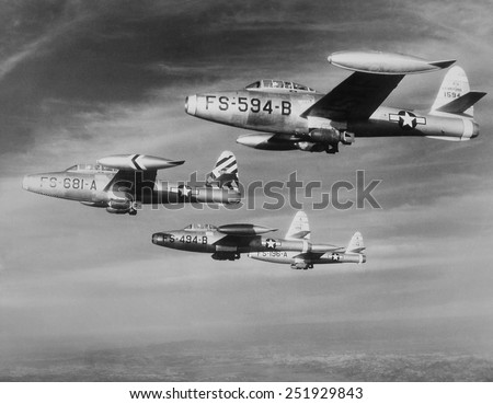 U.S. F-84 Thunderjets on bombing mission north of the 38th parallel during the Korean War. Ca. 1950-53. - stock photo