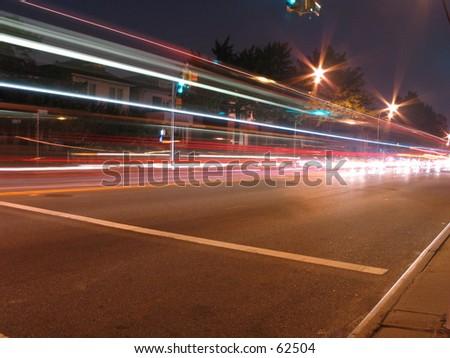 una exposición larga de coches en la calle, colorado - stock photo