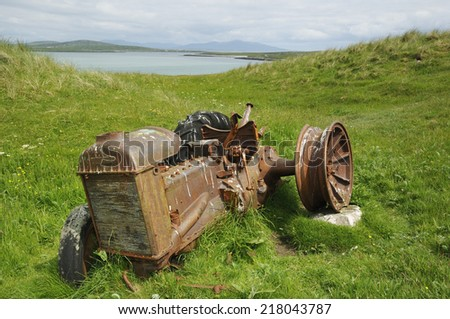 Vintage Fordson Tractor abandoned in Remote Outer Hebrides - stock photo