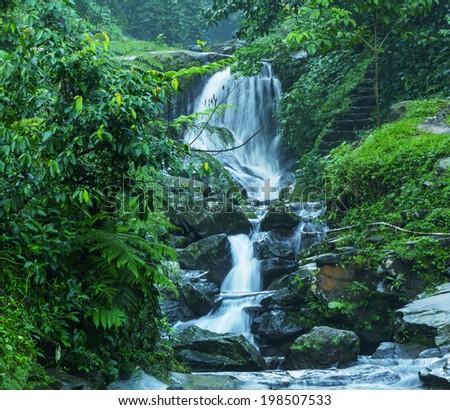 waterfall muslim Advice to non-muslim women against marrying muslim men by daniel pipes may 16, 2004 updated jan 21, .