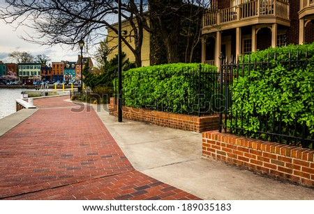 Waterfront homes in Fells Point, Baltimore, Maryland. - stock photo