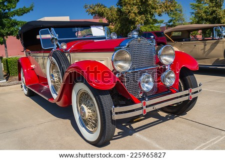 WESTLAKE, TEXAS - OCTOBER 18, 2014: A red 1929 Packard Model 640 Touring is on display at the 4th Annual Westlake Classic Car Show. Front side view.  - stock photo