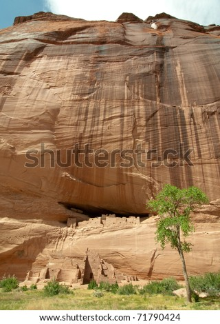 White House native american indian cliff dwelling ruins in Canyon De Chelly - stock photo