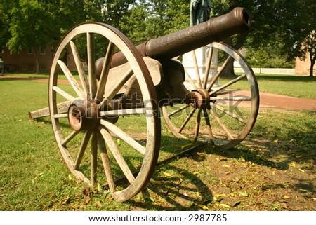 williamsburg cannon - stock photo