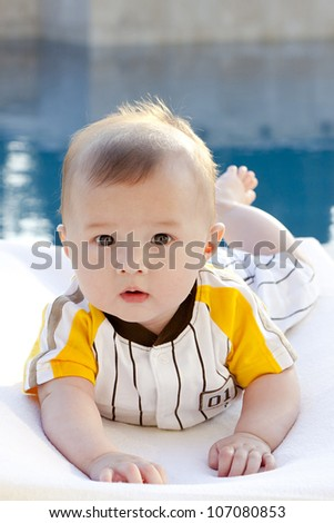 Young baby crawling - stock photo