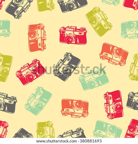 Cute seamless pattern with camera, retro background, retro camera, photograph seamless pattern,  - stock vector