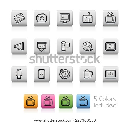 Multimedia Icons // Outline Buttons +++ Each color in a layer - To see the desired color, you need to make it visible in the layer panel +++ EPS 10+ / Contain Transparencies. - stock vector