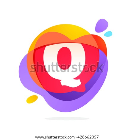 Q letter logo with speech bubble and hearts. Vector typeface for communication app icon, corporate identity, card, labels or posters. - stock vector