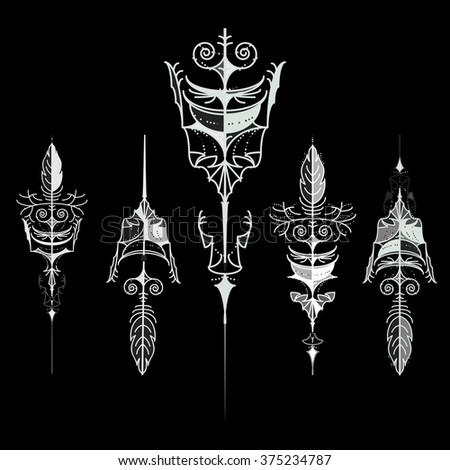 Vector set of vintage arrows, hand drawn in graphic style. Vector design set. Set of hipster arrows, hand drawn doodles. - stock vector